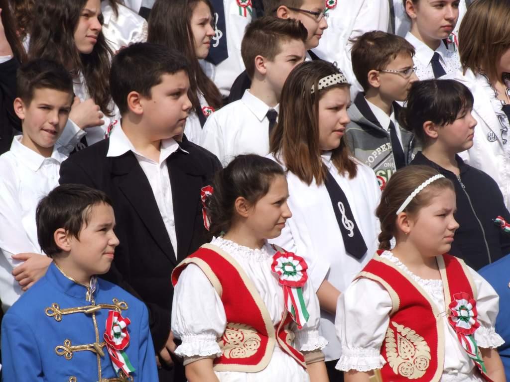 Az ország legszebb Petőfi-szobra előtt ünnepelt Félegyháza