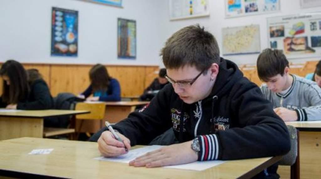 Elkészült a lista a központi középiskolai írásbelit tartó iskolákról
