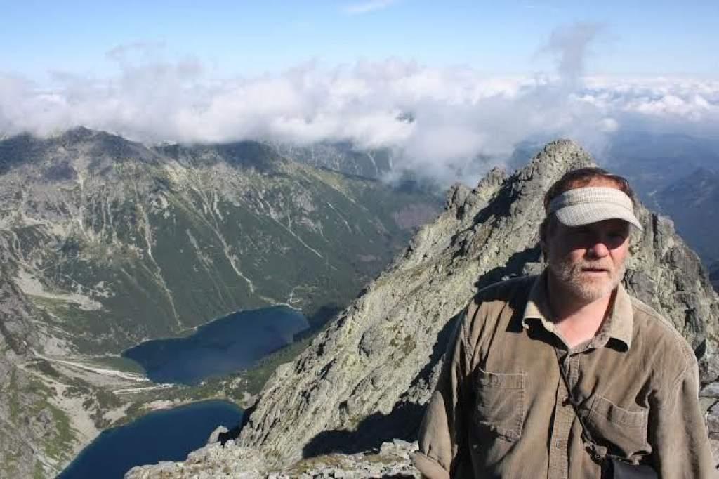 Pedagógus-politikus hegymászó bakancsban