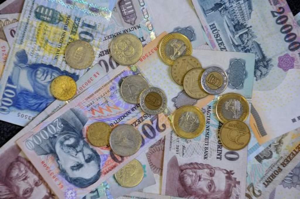 Egyezség született a jövő évi minimálbérről és a garantált bérminimumról