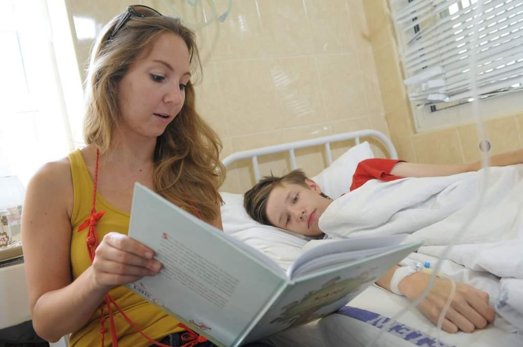 Kórházi illemtan – avagy hogyan viselkedjünk a gyerekosztályon?