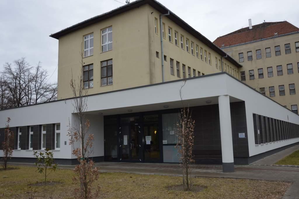 Feloldották a teljes látogatási tilalmat a félegyházi kórházban