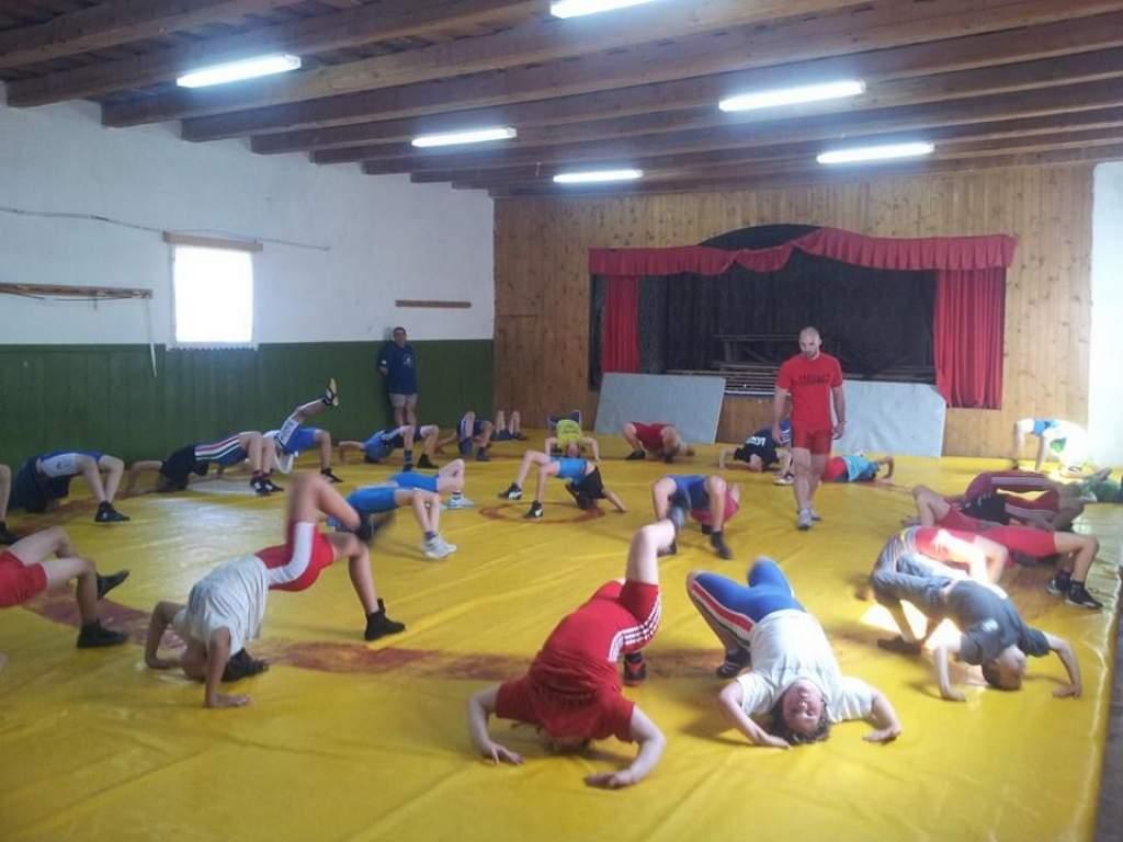 Korondiak szervezésében edzőtáboroztak a félegyházi birkózók