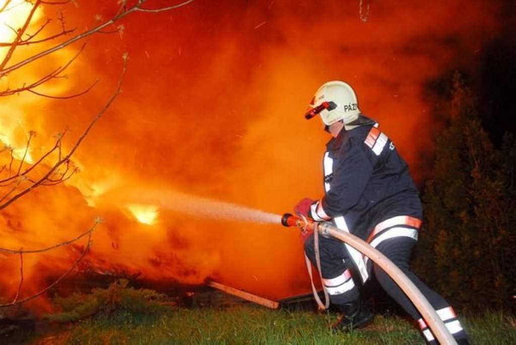 Elhárították a veszélyt a tűzoltók
