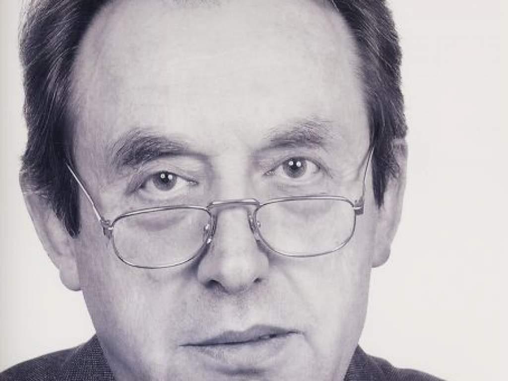 Elhunyt Huszka Jenő, a Közgazdasági Szakközépiskola nyugalmazott tanára, igazgatója