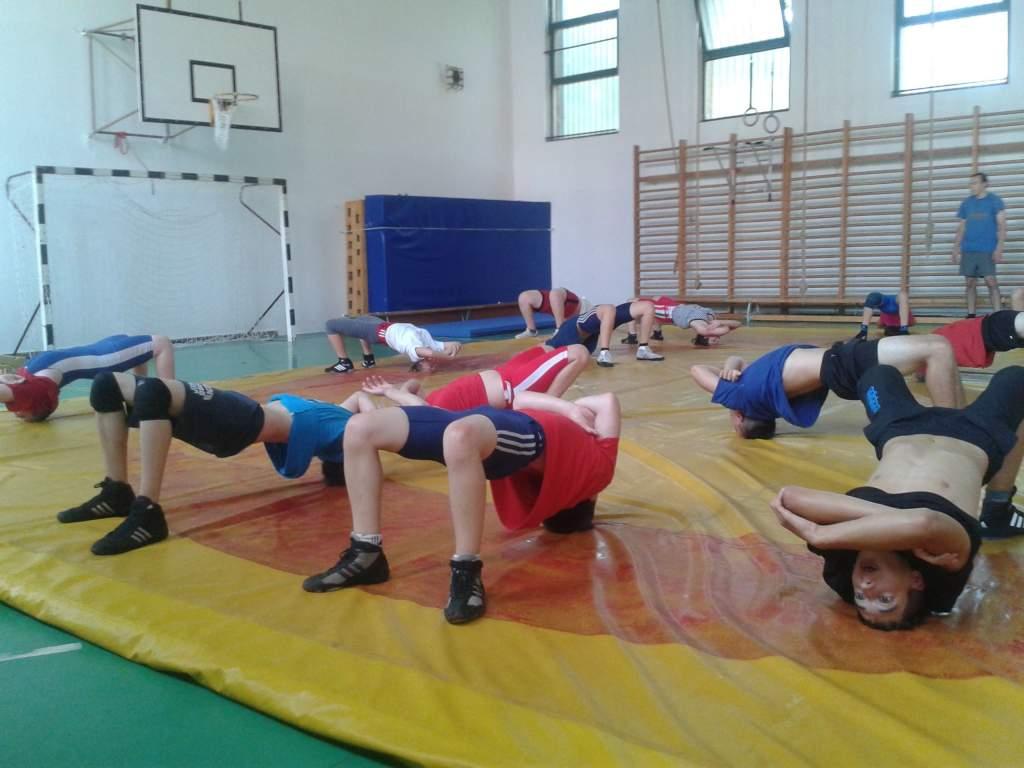 A Balatonnál edzőtáboroztak a birkózók