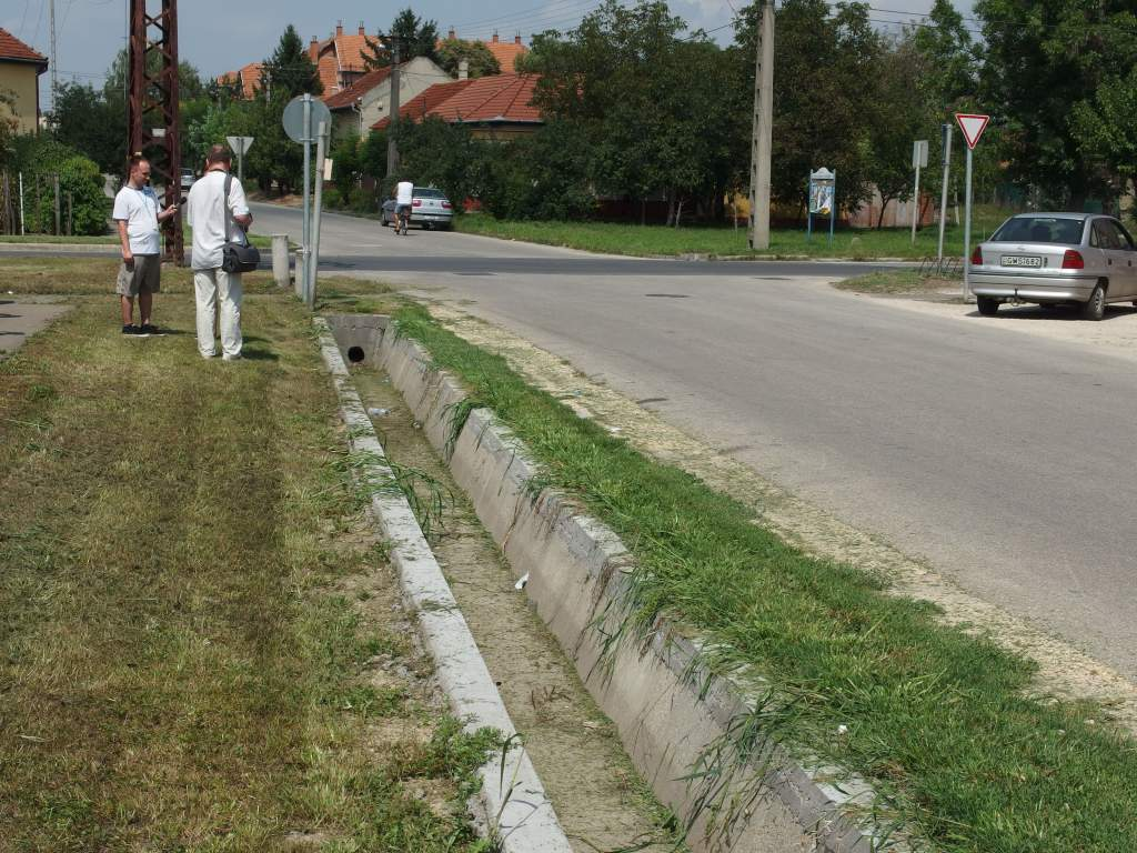 Nem fenyeget tovább a belvíz a Halasi út és a Katona József utca kereszteződésében