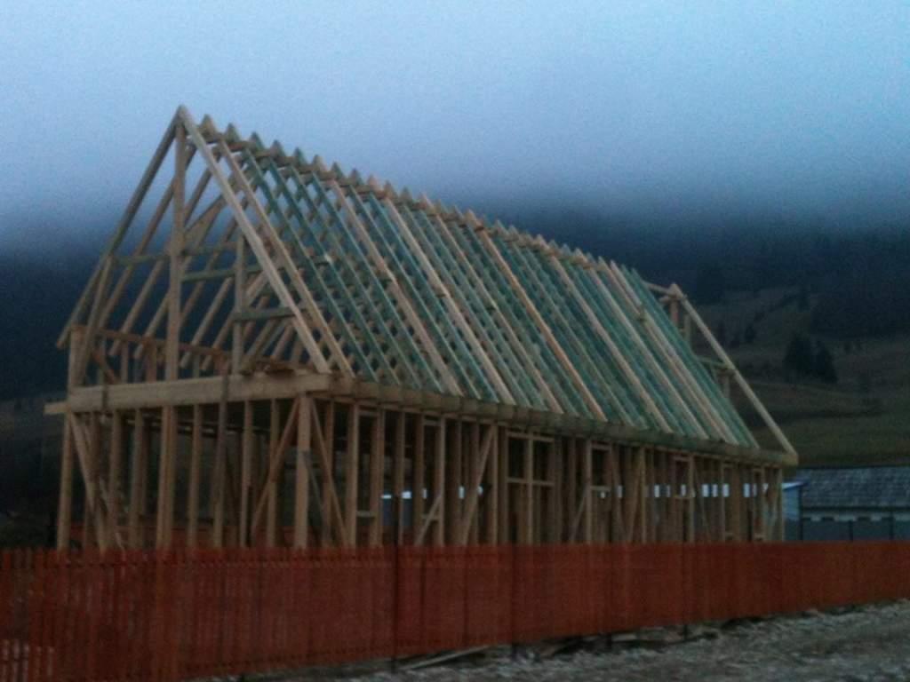 Segítség a leégett háromkúti iskola újjáépítéséhez