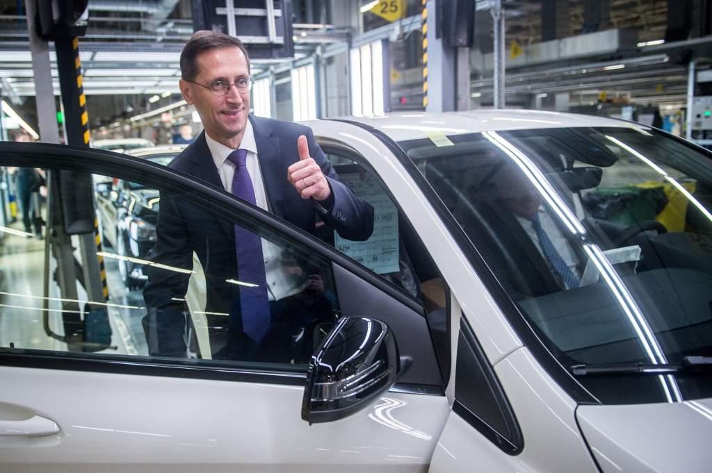 Letették a Mercedes-Benz gyár új képzési központjának alapkövét Kecskeméten