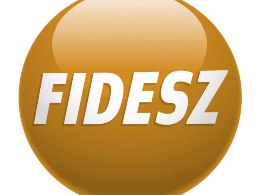 Kizárták magukat a Fideszből