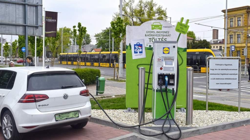 Üzemanyagként lehet majd értékesíteni az áramot az elektromos autók töltéséhez