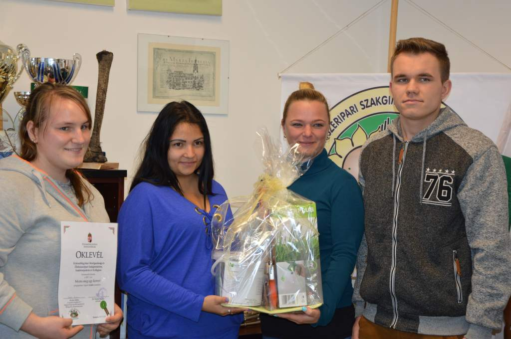 A mezgés diákok kertmentő munkáját a minisztérium is elismerte