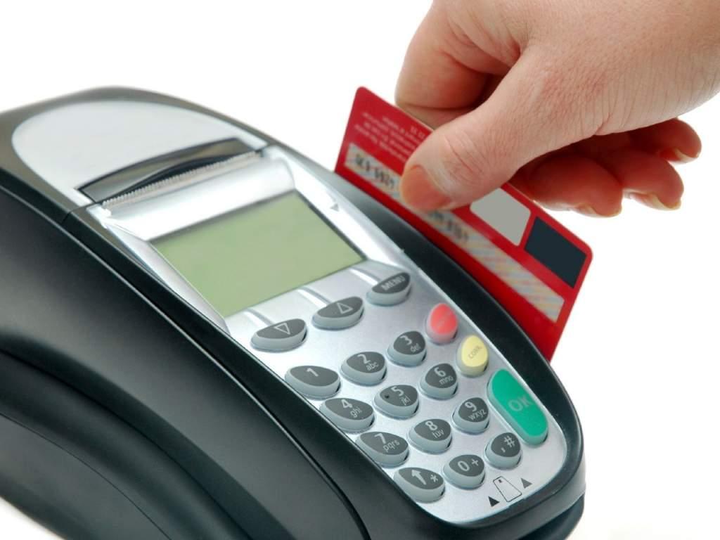 Jó világ jön a bankkártyásokra