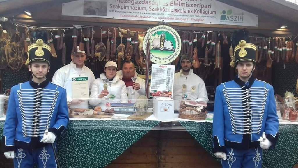 Dobogós helyeken végeztek a mezgé húsipari tanulóinak termékei a fővárosban
