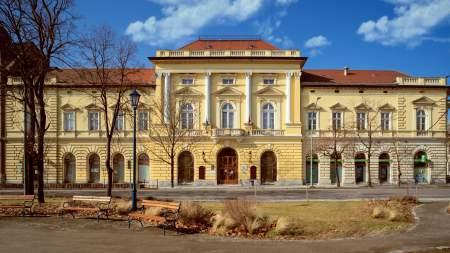 Május 10-én nyit a Móra Ferenc Művelődési Központ